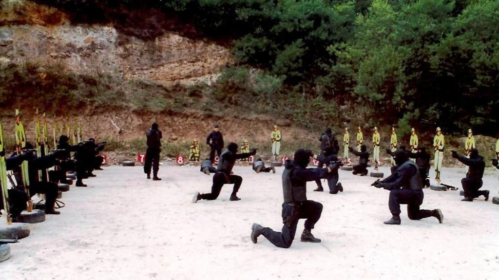Grupo de Operações Especiais (GOE) conducting live firearms training in Portugal
