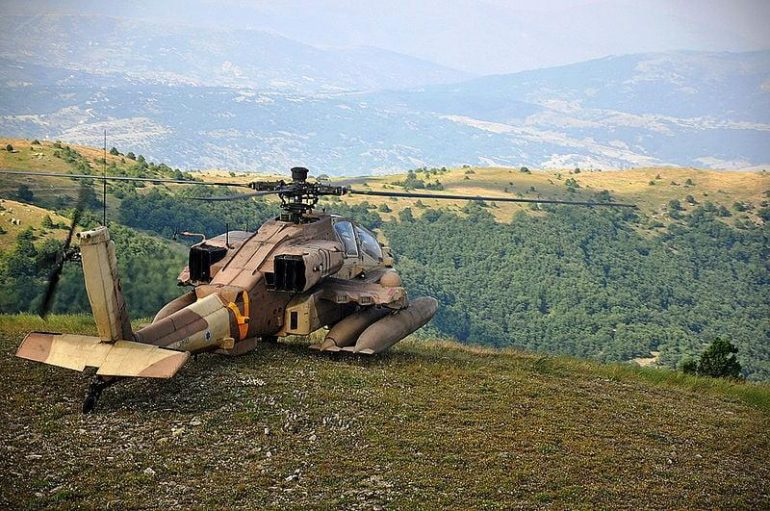 Israeli Air Force AH 64D during an exercise with the Hellenic Air Force in 2011 770x511 - Boeing AH-64 Apache