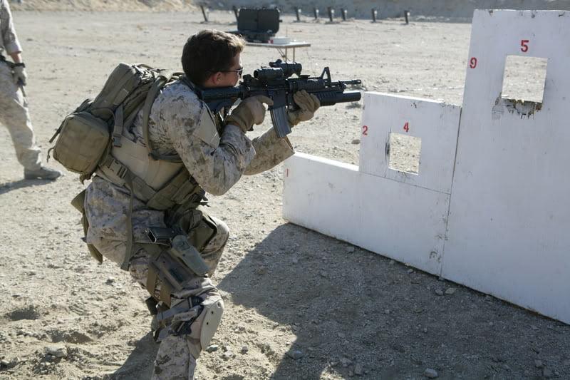 USMC Reconnaissance battalions training shooting