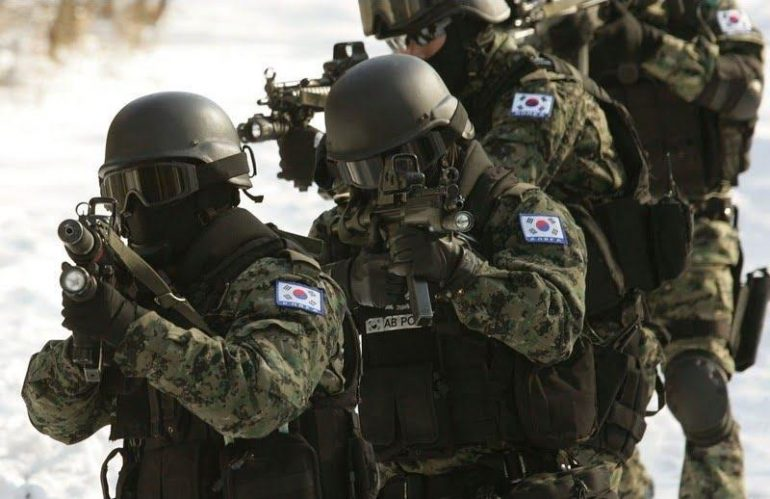 Members of South Korea 707th Special Mission Battalion