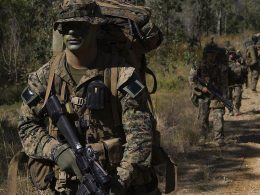 Recon Marines wearing the full combat gear during the exercise Talisman Saber in 2007