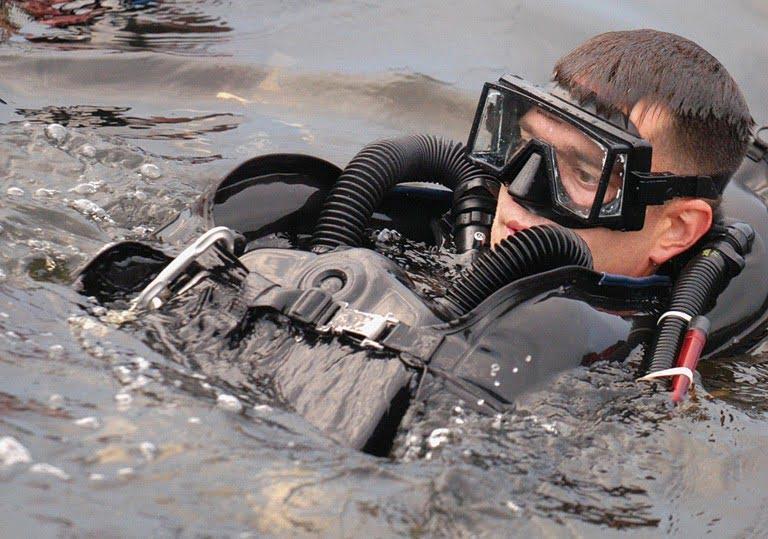 USMC Reconnaissance Battalions: Combat diving