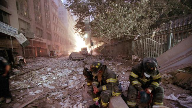 American heroes - 7 pictures of 9/11 that show you why you should never forget