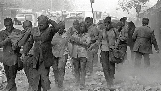 Ghoulish cloak survivors - 7 pictures of 9/11 that show you why you should never forget