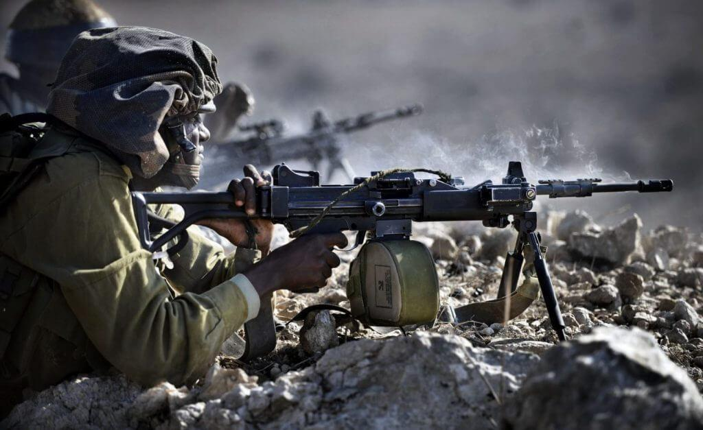 IMI Negev Combat Load: How much ammo does an IMI Negev gunner carry into battle?