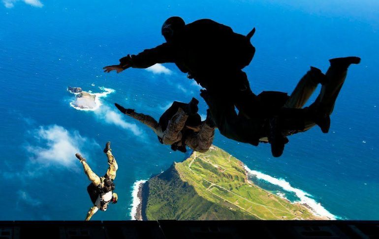 A Navy SEAL's 5 Tips To Boost Mental Toughness and Build Bulletproof Mind 1