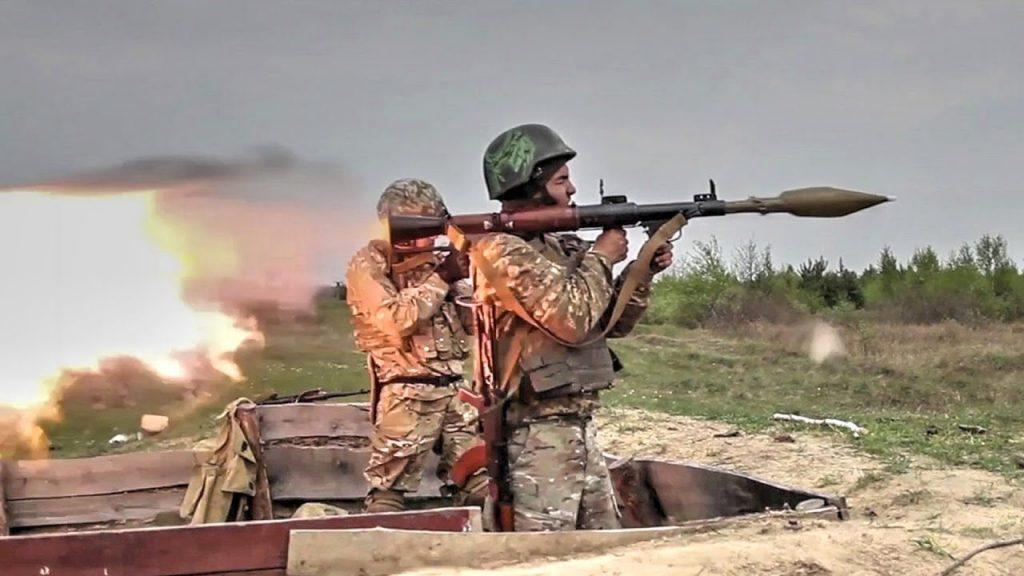 Ukrainian Soldiers Shooting The Powerful Soviet RPG 7 - Top 5 Longest-Serving Weapons in Russian and US Arsenals