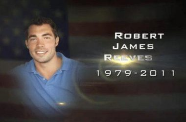 Robert J. Reeves: A Navy SEAL who died in Extortion 17 5