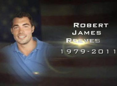 Robert J. Reeves: A Navy SEAL who died in Extortion 17