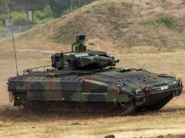 German army suggest its soldiers to drive cars and pretend they're driving tanks during exercises 2020 image