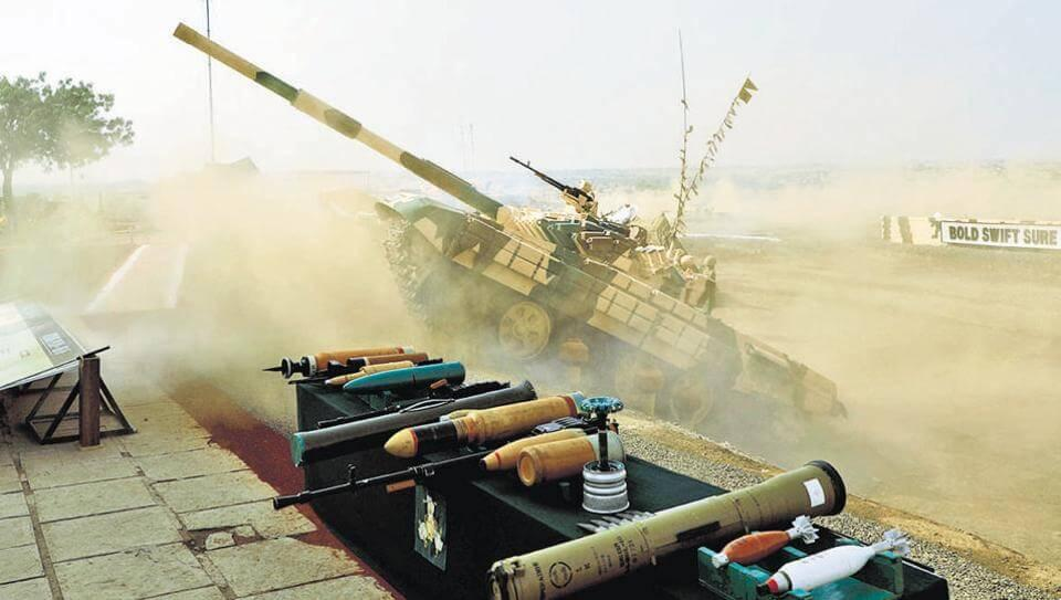The unusual maneuver of Indian tank T-72M1 scared spectators to death 1