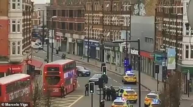 Dramatic footage of police action during the London attack 1