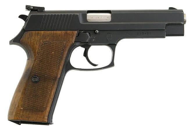 Bernardelli P-018 pistol