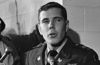 Hugh Thompson: The Forgotten Hero of My Lai 3