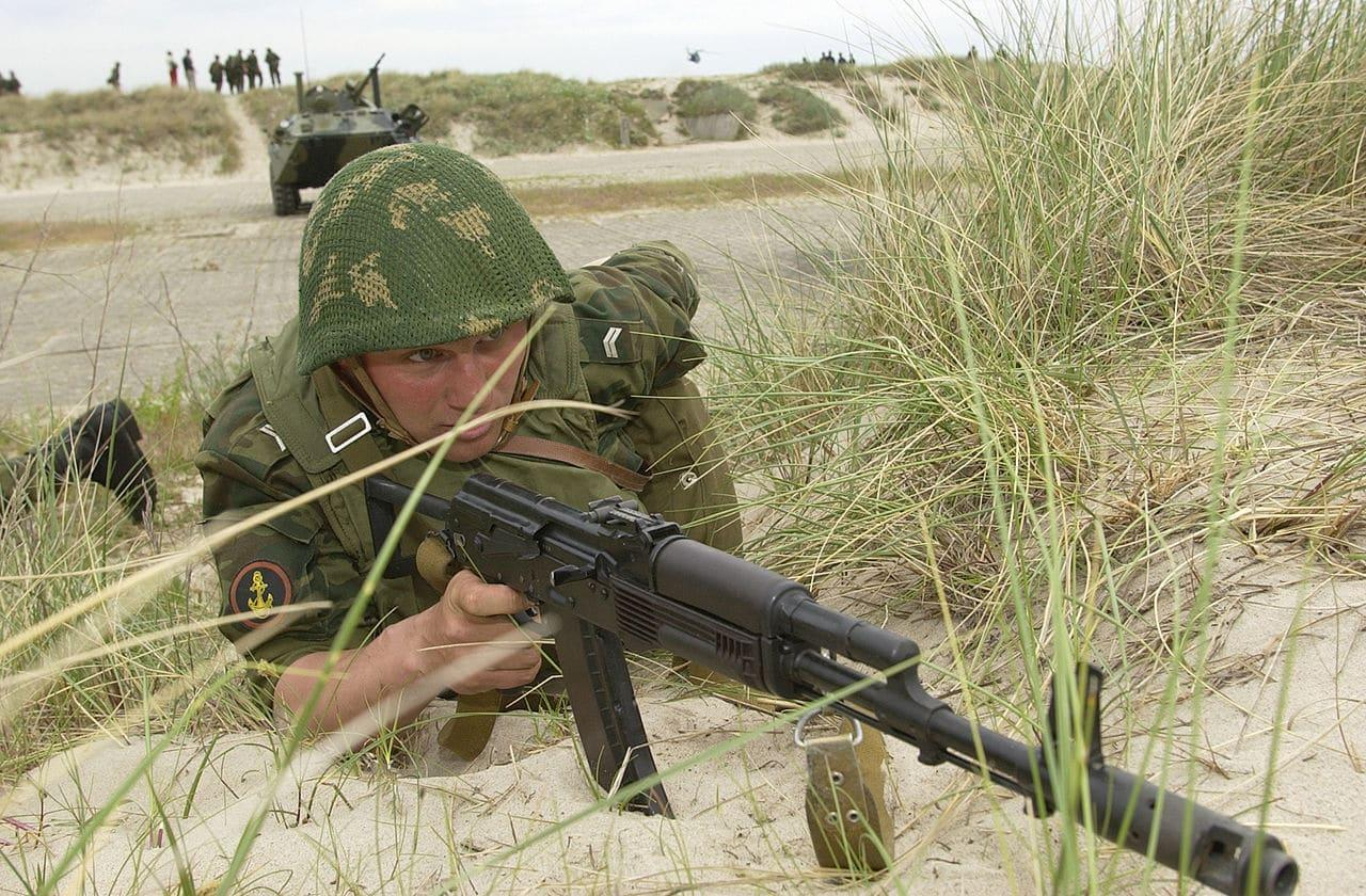 A Russian marine on exercise with the AKS-74 variant with plum colored polymer furniture