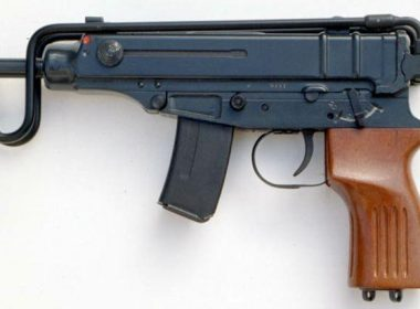 The Yugoslav version of the original Samopal Vz.61 Skorpion differentiates from the origin by the plastic grip. The Yugoslavian M84 Skorpion was manufactured in Yugoslavia and then Serbia since 1984 by Zastava Arms